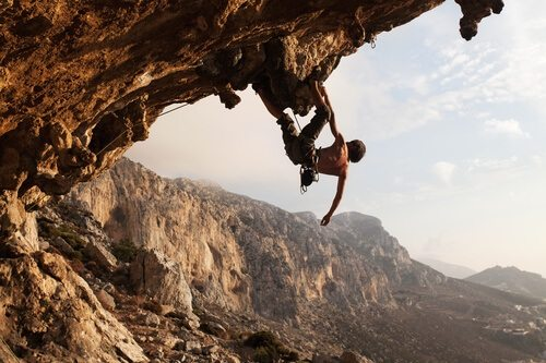 Do you want to rock climb like a pro? 8 bits of info you've got to read!